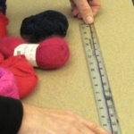 Measuring yarn