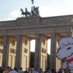 Alice at Brandenburg Gate